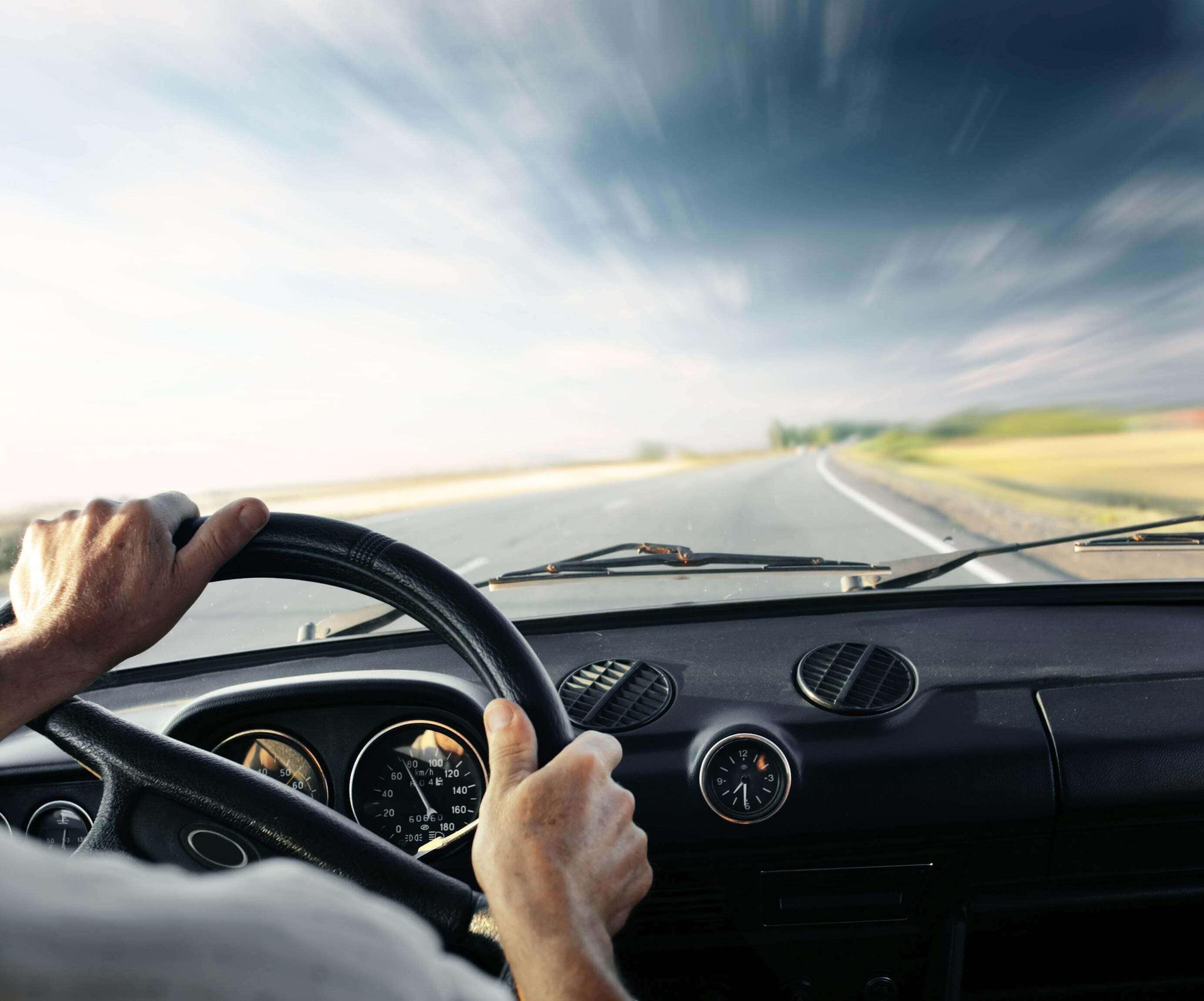 Jakie wymogi trzeba spełnić, aby wynająć samochód?