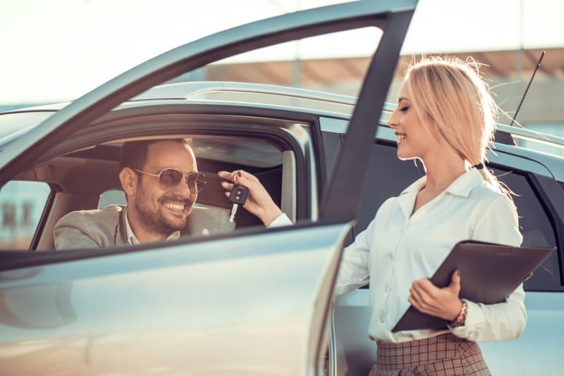 wypożyczanie auta